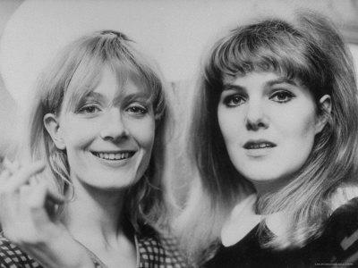 Terence-spencer-lynn-redgrave-with-sister-vanessa-redgrave